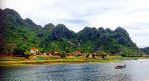 Hills and mountains in phong nha Thailand by easy tiger hostel